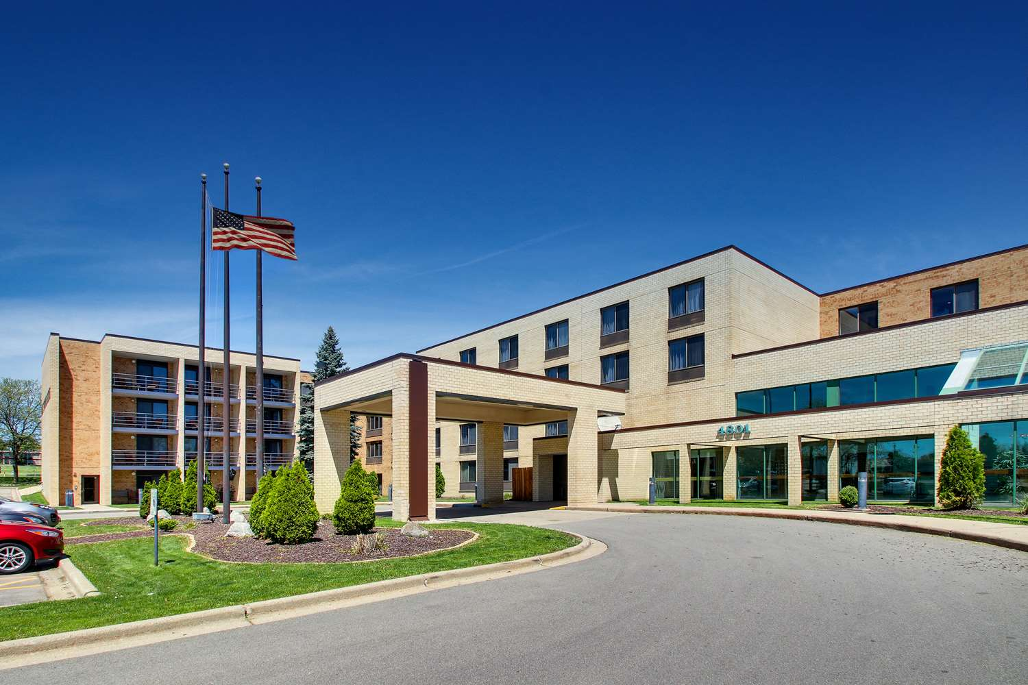 Exterior view - Best Western East Towne Suites Madison