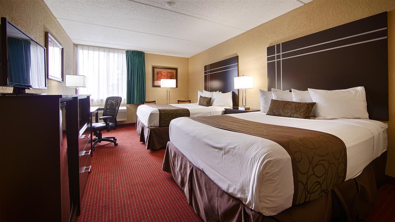 Room - Best Western Waukasha Grand Inn Pewaukee