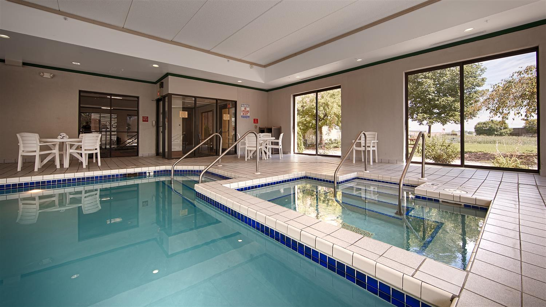 Pool - Best Western Waukasha Grand Inn Pewaukee