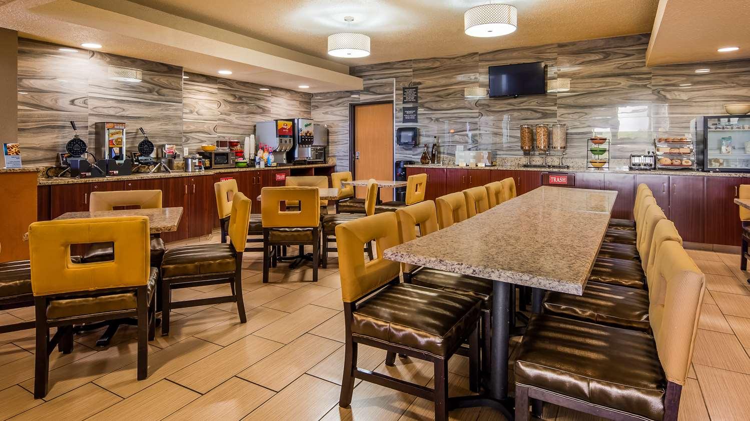 Restaurant - Best Western Waukasha Grand Inn Pewaukee
