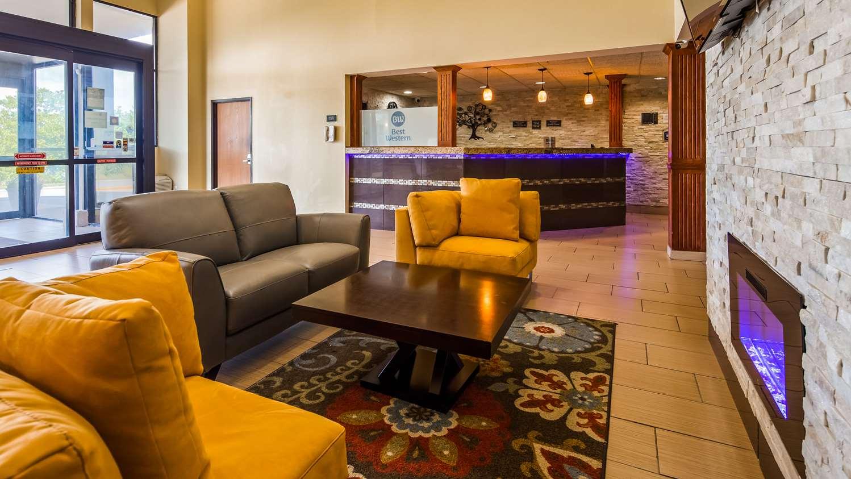 Lobby - Best Western Waukasha Grand Inn Pewaukee