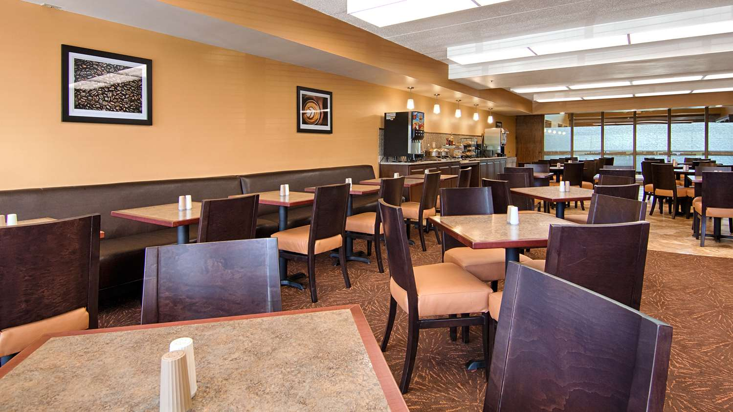 Restaurant - Best Western Executive Inn Kenosha