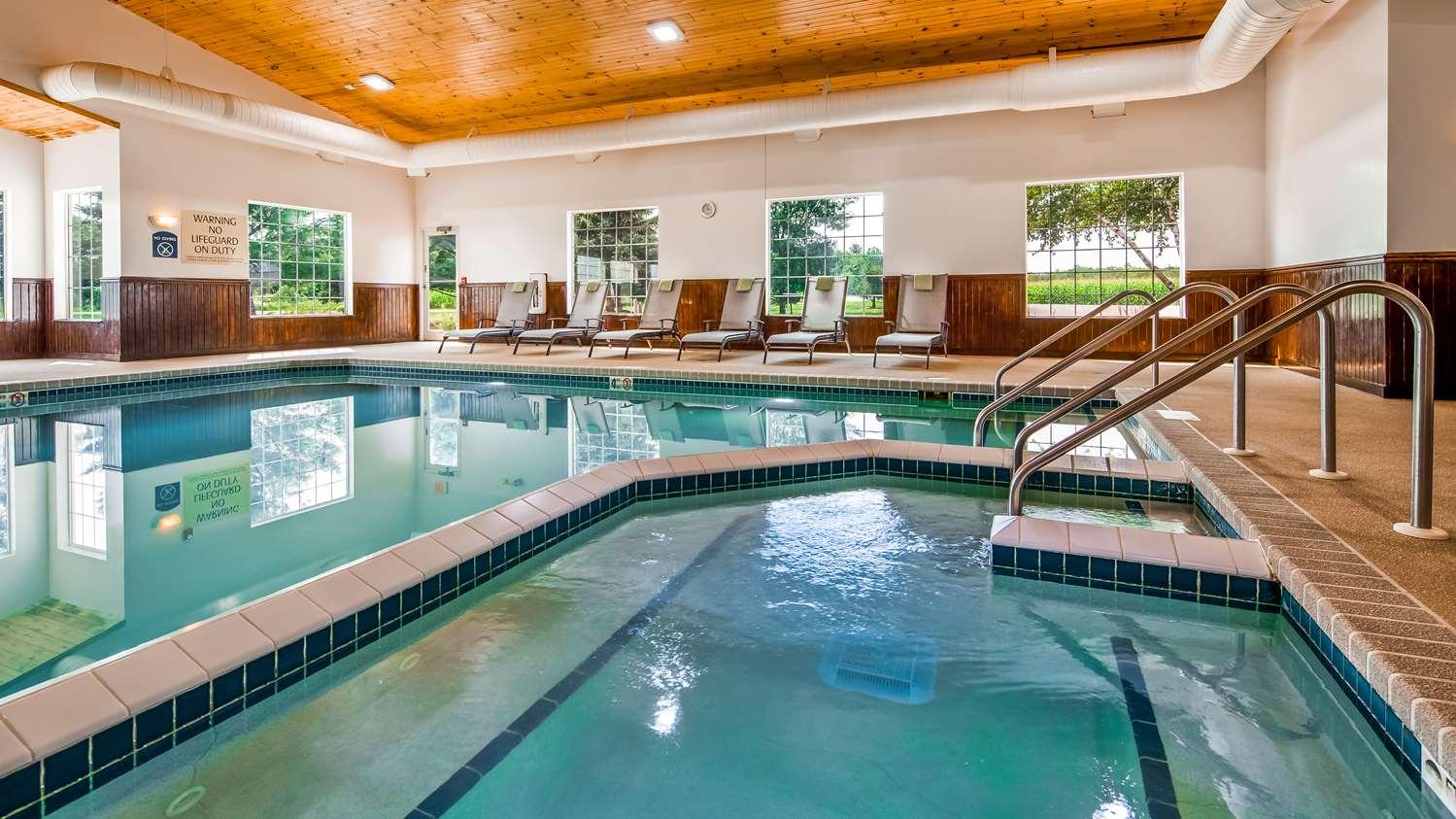 Pool - Best Western Wittenberg Inn