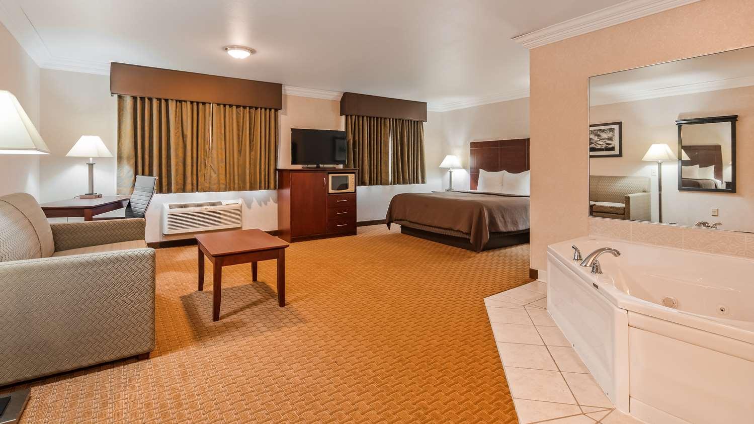 Room - Best Western Wittenberg Inn