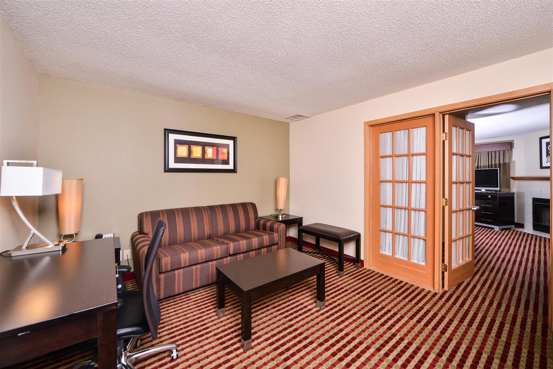 Suite - Best Western Germantown Inn