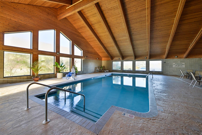 Pool - Best Western Germantown Inn