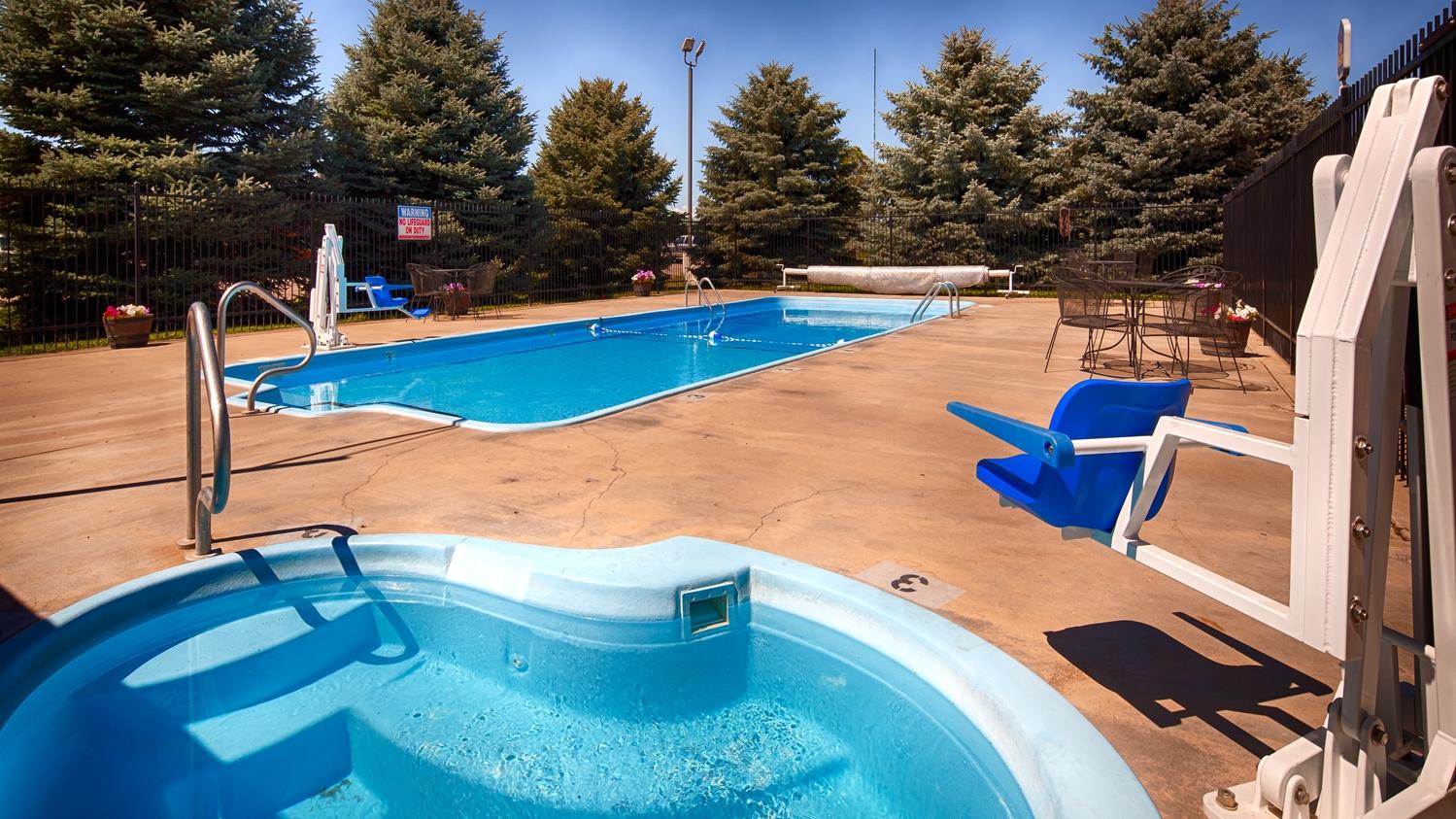 Pool - Best Western Torchlite Motor Inn Wheatland