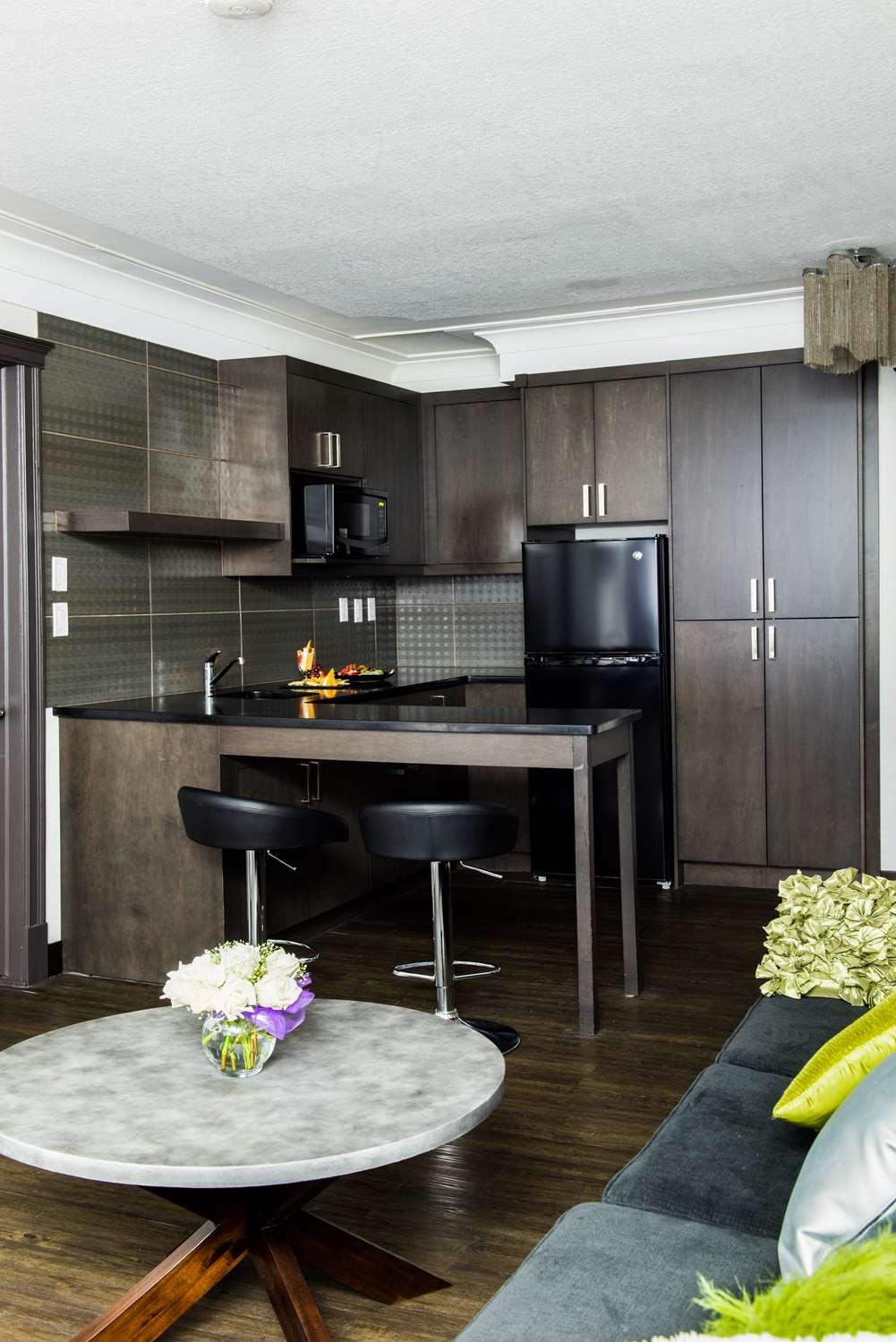 Suite - Best Western Plus Village Park Inn Calgary