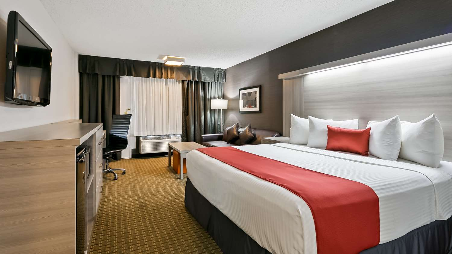 Room - Best Western Plus Village Park Inn Calgary