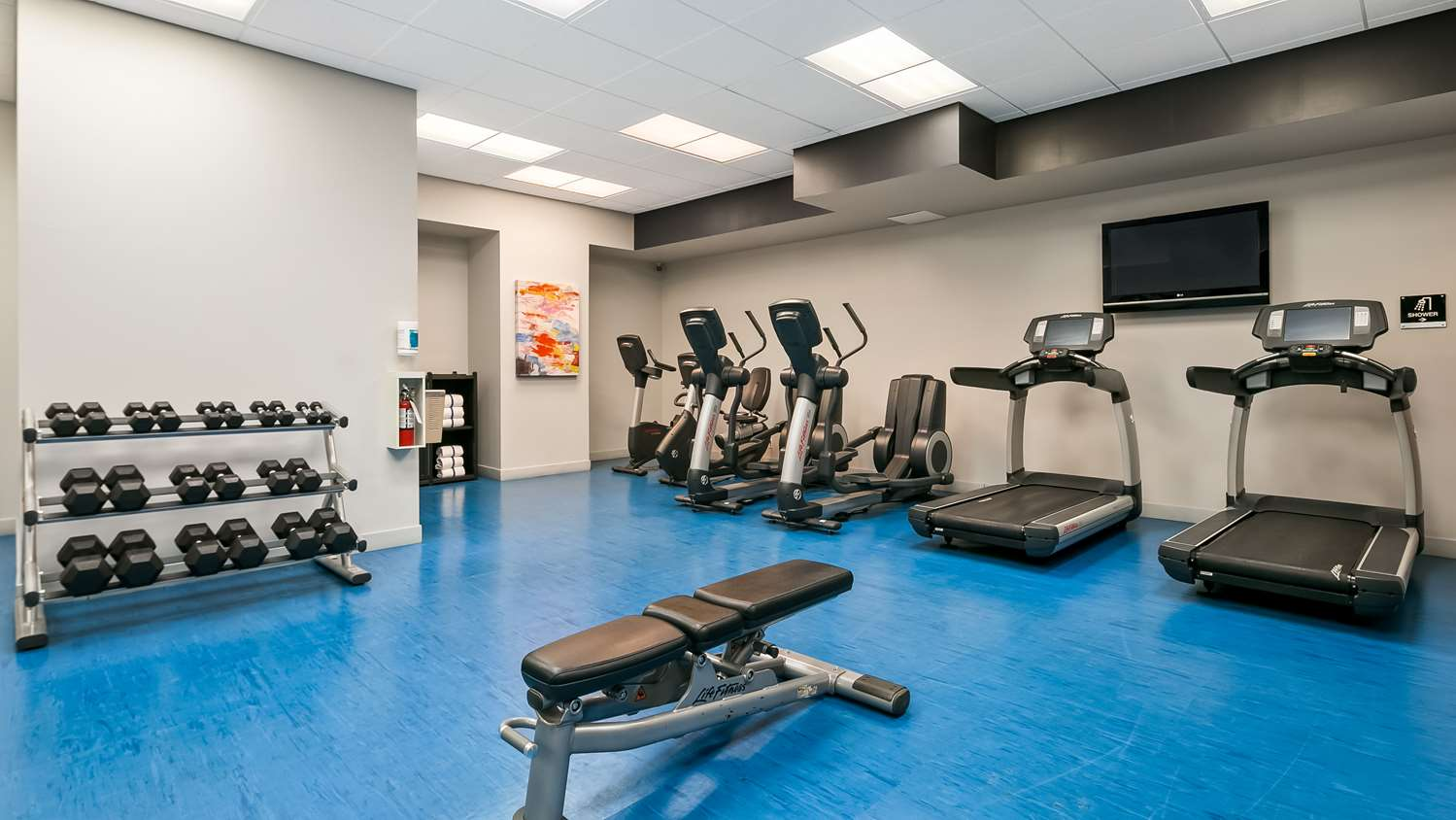 Fitness/ Exercise Room - Best Western Plus Village Park Inn Calgary