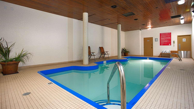 Pool - Best Western Cedar Park Inn Edmonton