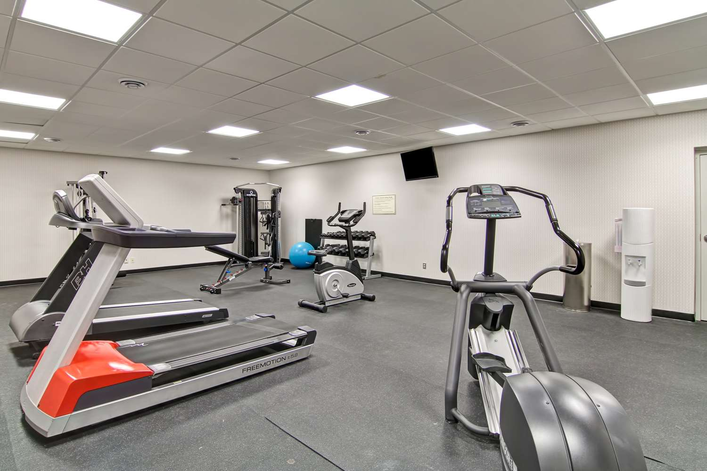 Fitness/ Exercise Room - Best Western Cedar Park Inn Edmonton