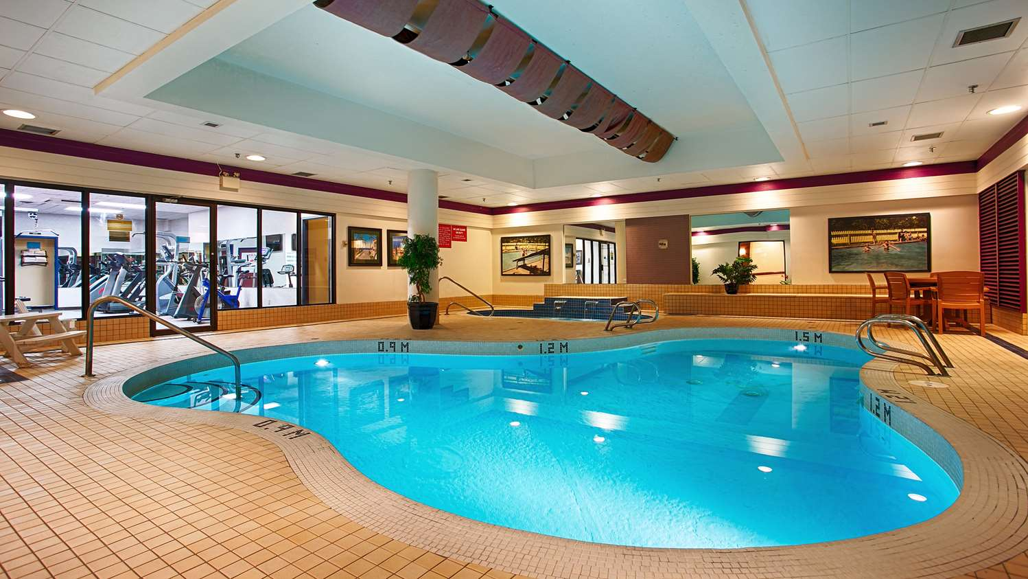 Pool - Best Western Plus Port O'Call Hotel Airport Calgary
