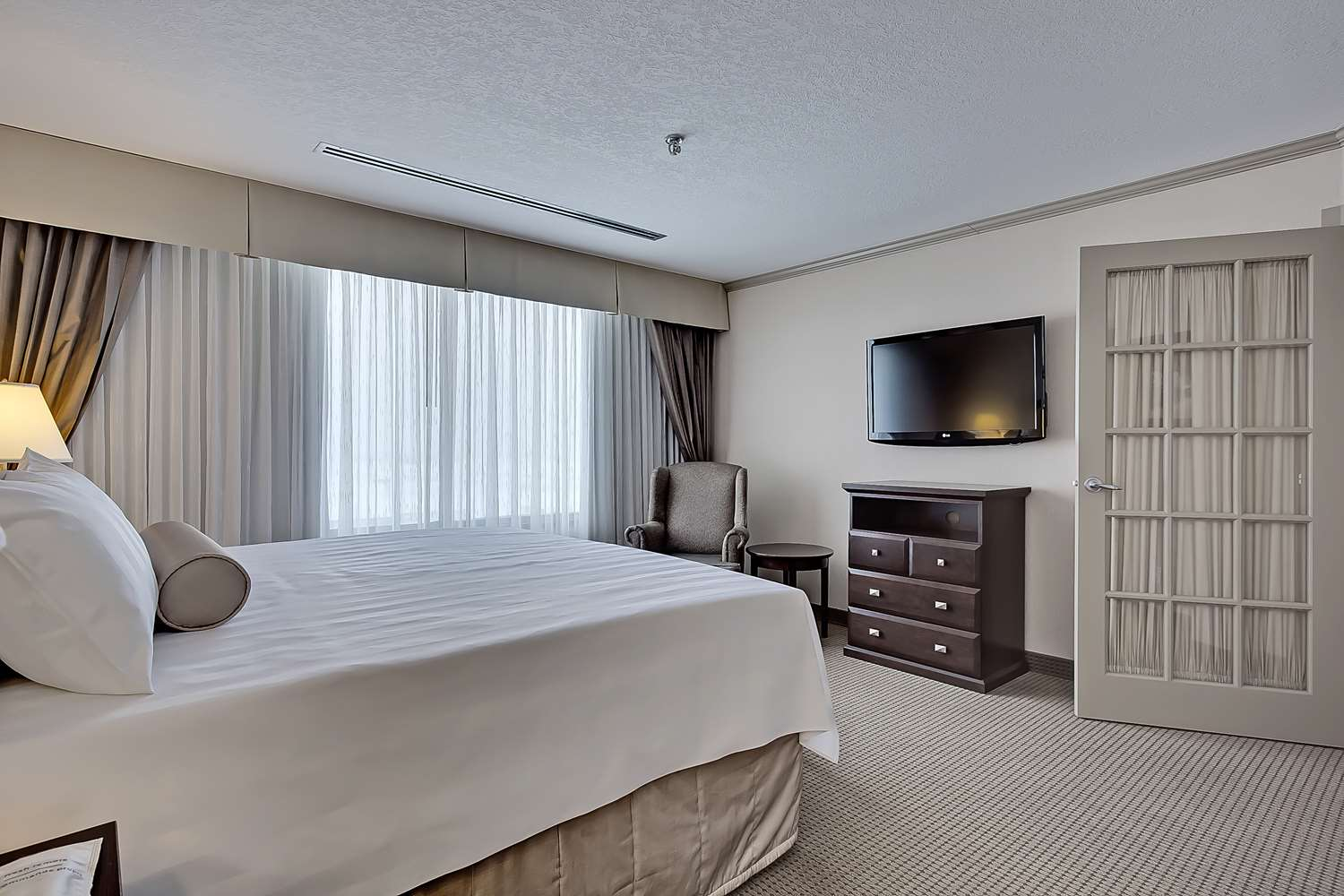 Suite - Best Western Plus Port O'Call Hotel Airport Calgary