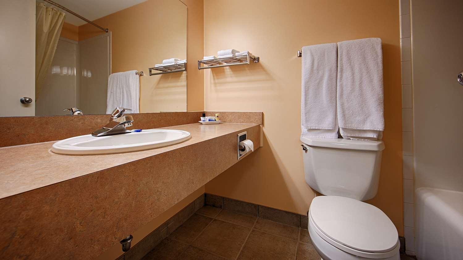 Room - Best Western Inn of Olds
