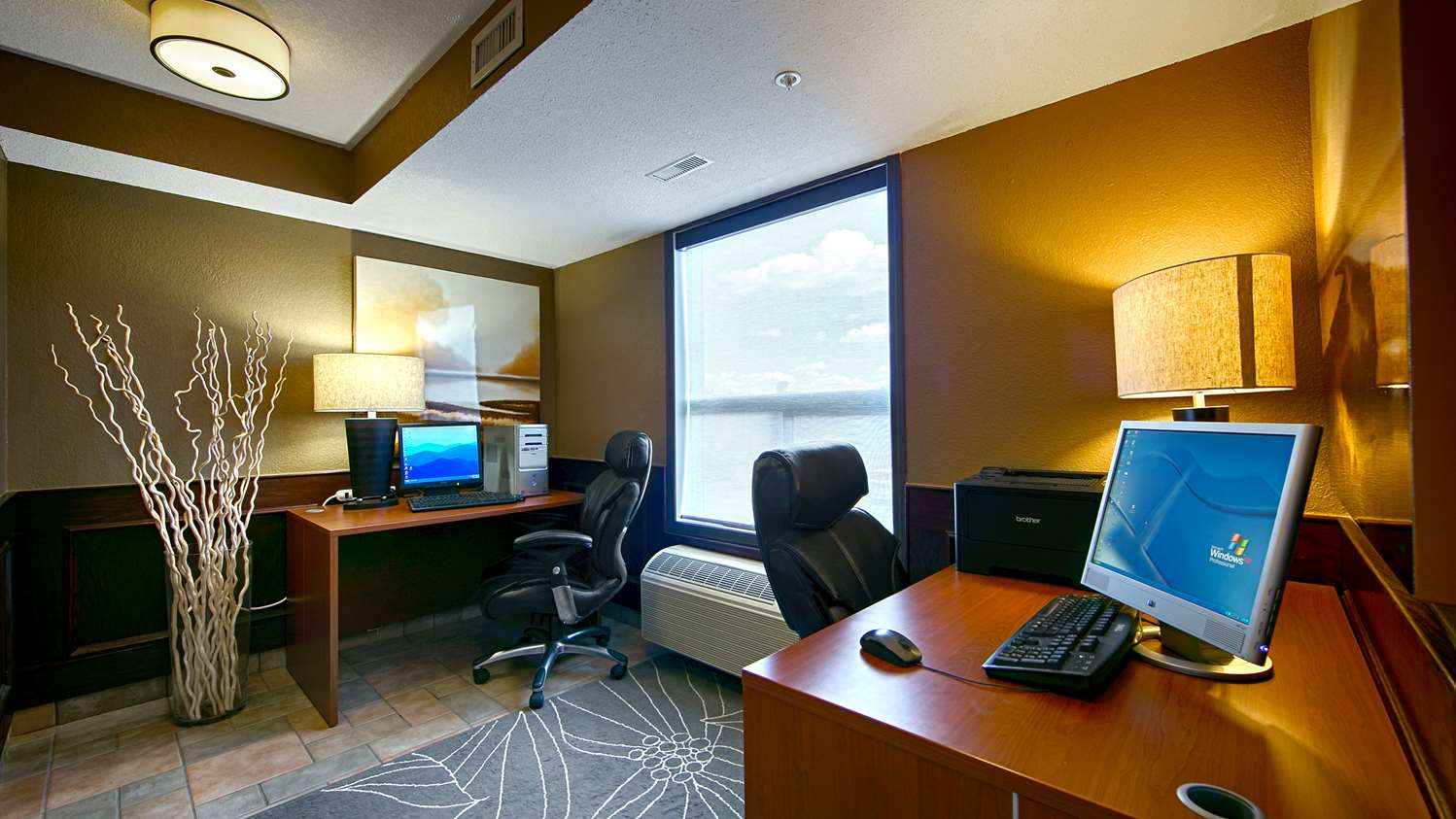 Conference Area - Best Western Strathmore Inn
