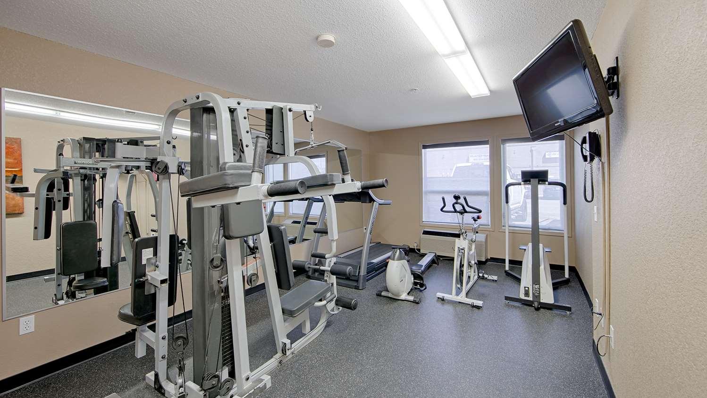 Fitness/ Exercise Room - Best Western Strathmore Inn