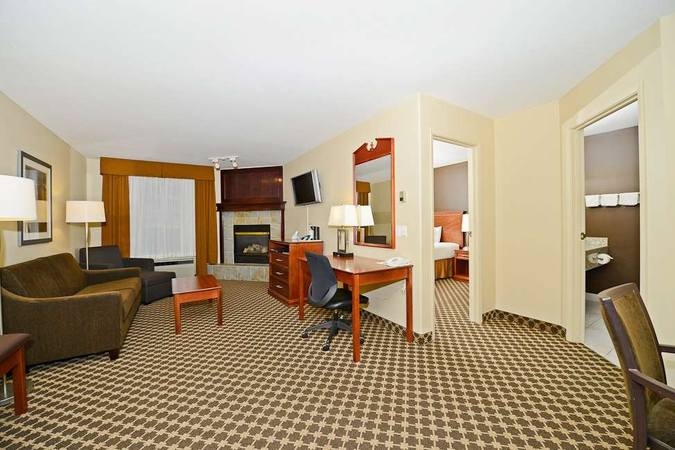 Suite - Best Western Strathmore Inn