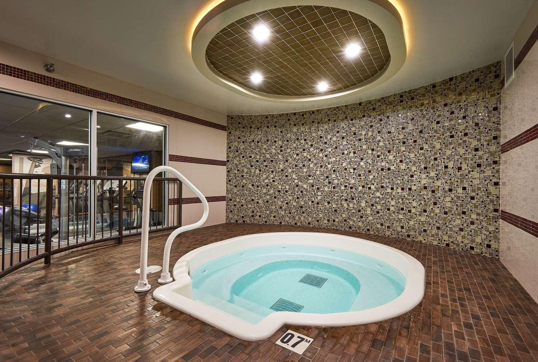 Pool - Best Western Premier Denham Inn & Suites Leduc
