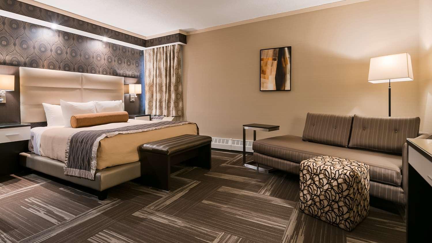 Suite - Best Western Premier Denham Inn & Suites Leduc
