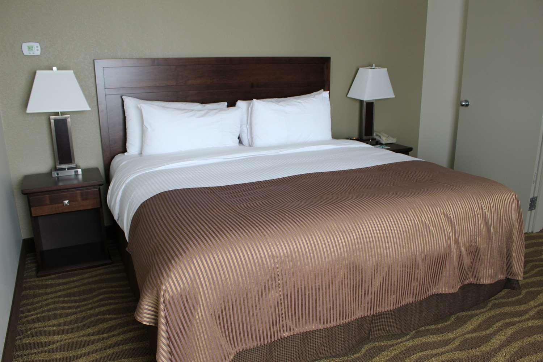 Suite - Best Western High Road Inn Edson