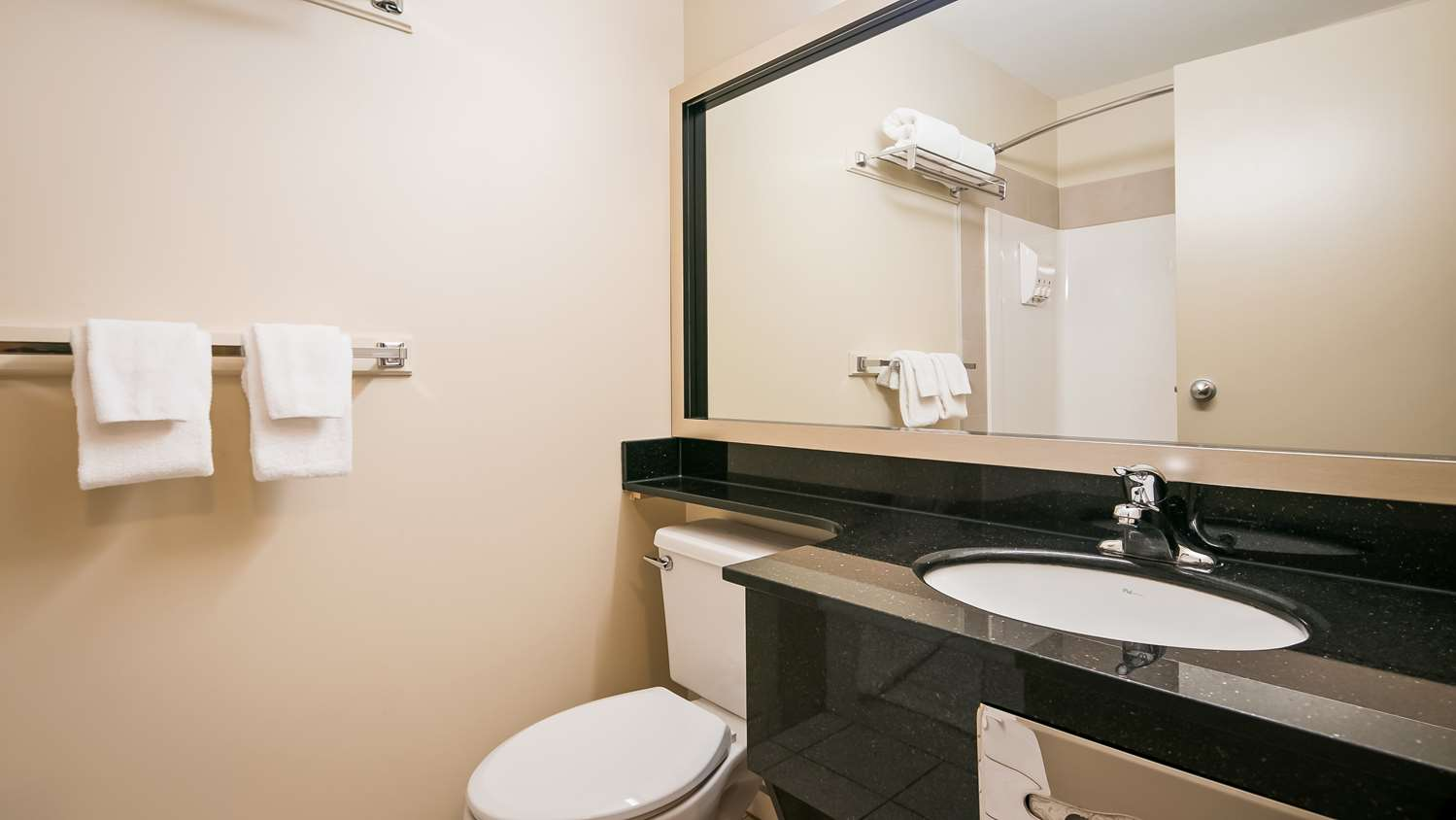 Room - Best Western High Road Inn Edson