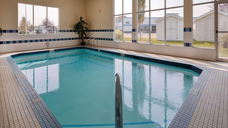 Pool - Best Western Plus Red Deer Inn & Suites
