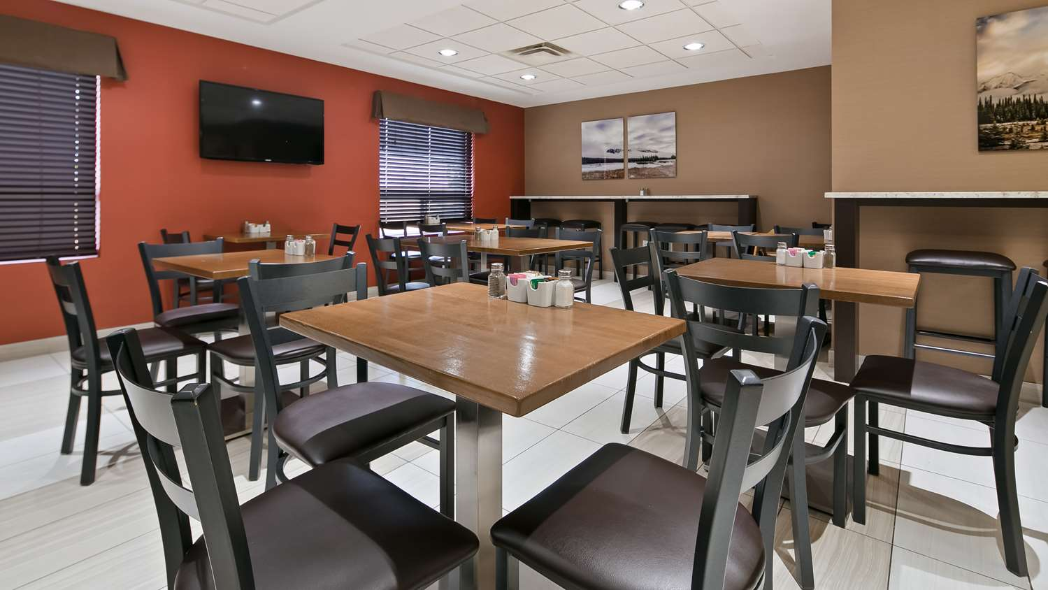 Restaurant - Best Western Plus Red Deer Inn & Suites