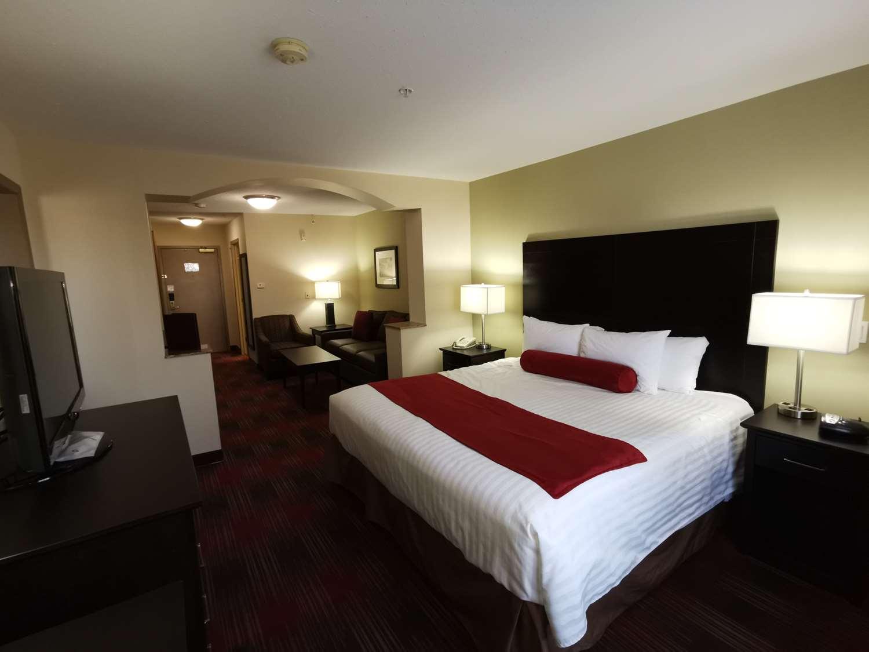 Suite - Best Western Plus Red Deer Inn & Suites