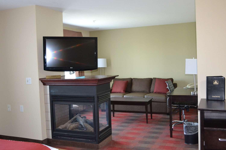 Room - Best Western Plus Red Deer Inn & Suites