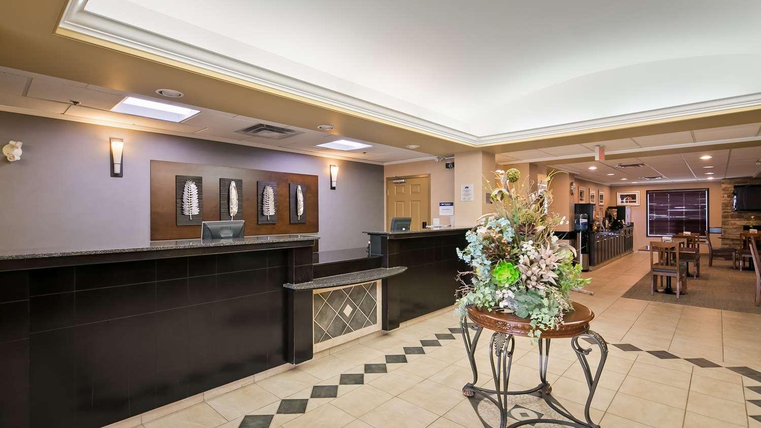 Lobby - Best Western Rocky Mountain House Inn