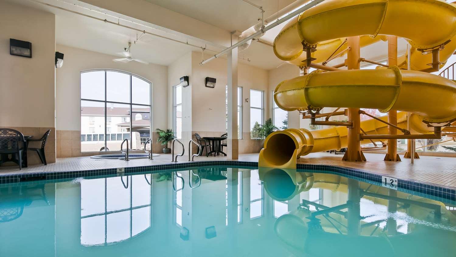 Pool - Best Western Rocky Mountain House Inn