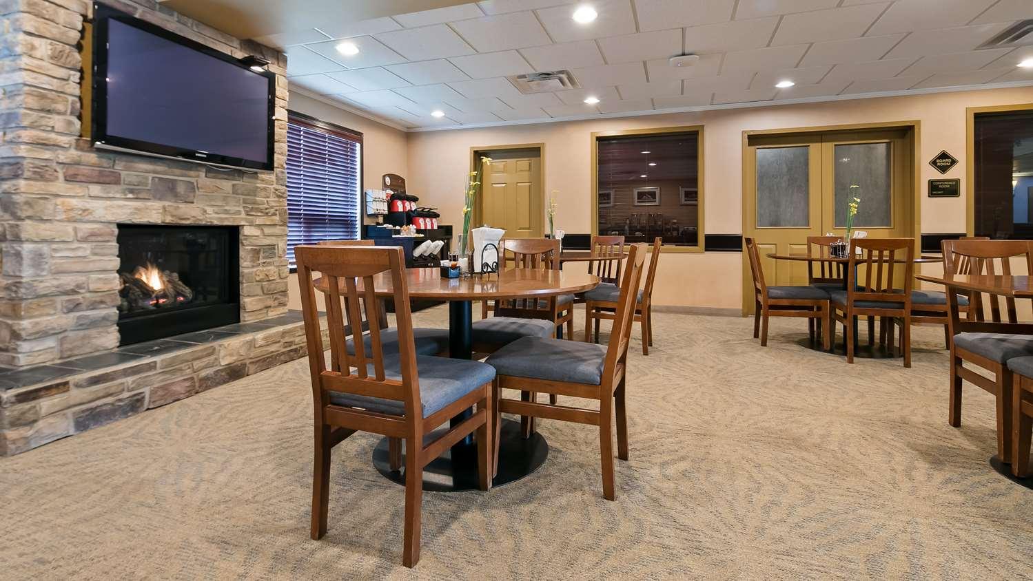 Restaurant - Best Western Rocky Mountain House Inn