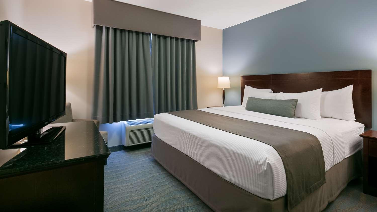 Room - Best Western Rocky Mountain House Inn