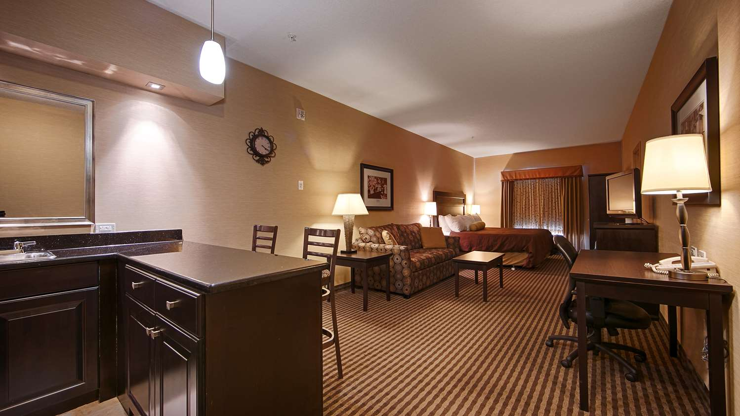 Suite - Best Western Sunrise Inn Stony Plain