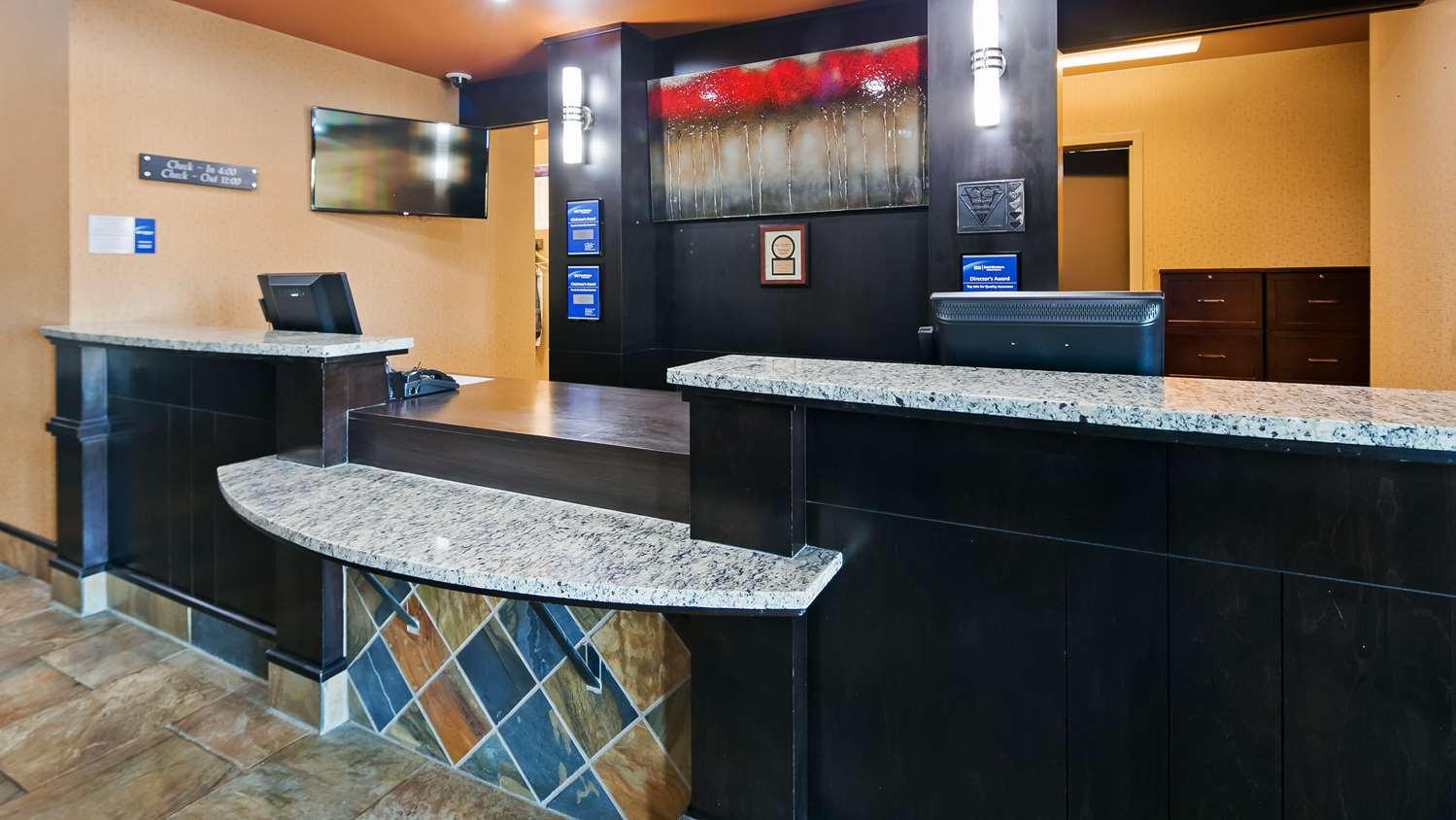 Lobby - Best Western Bonnyville Inn & Suites