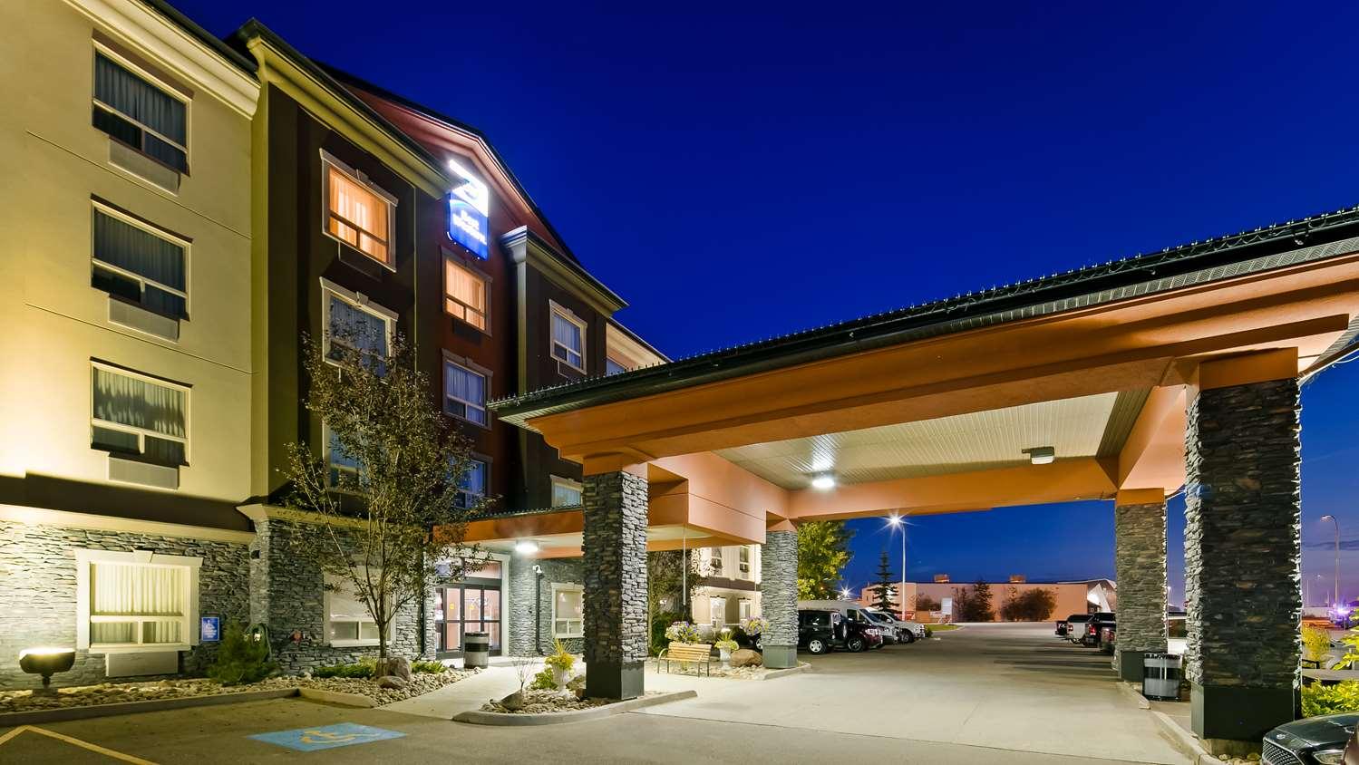 Exterior view - Best Western Bonnyville Inn & Suites