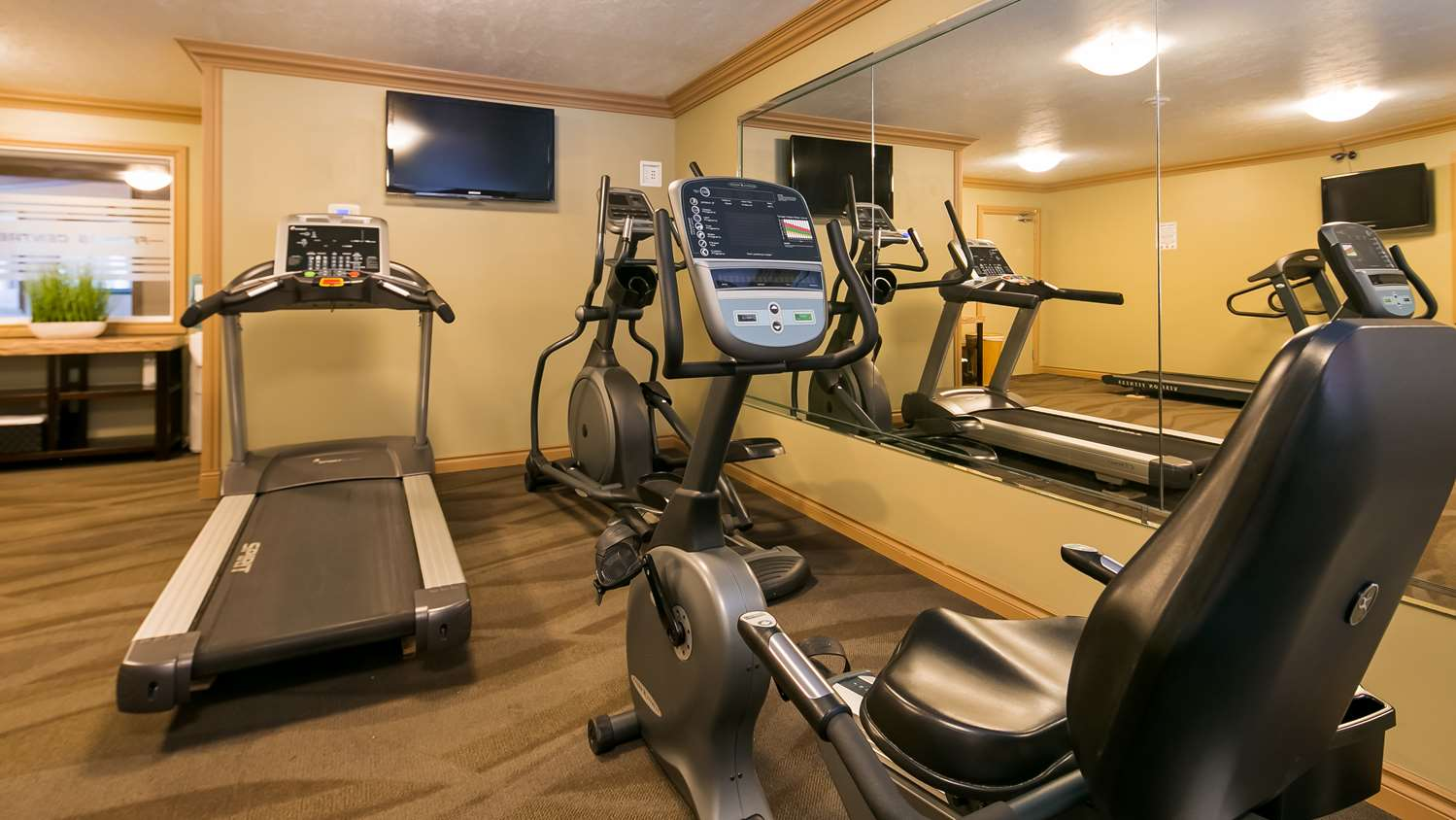 Fitness/ Exercise Room - Best Western Plus Mirage Hotel & Resort High Level