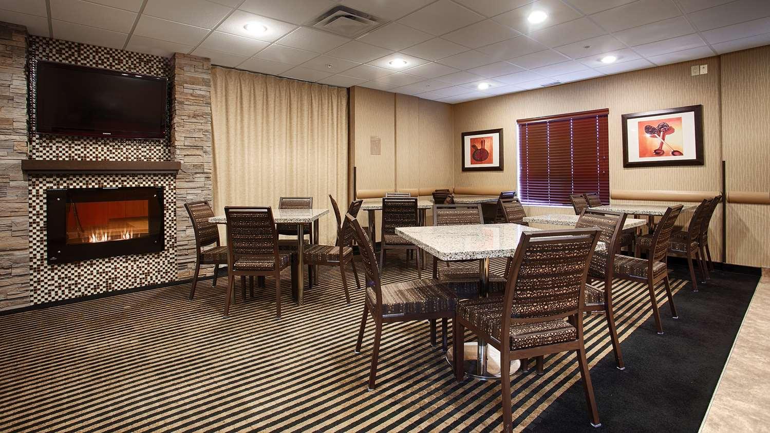 Restaurant - Best Western Plus South Edmonton Inn & Suites