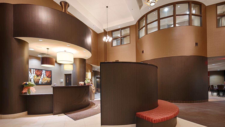 Lobby - Best Western Premier Freeport Inn & Suites Calgary