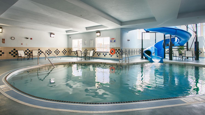 Pool - Best Western Premier Freeport Inn & Suites Calgary