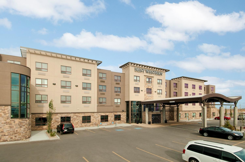 Exterior view - Best Western Premier Freeport Inn & Suites Calgary