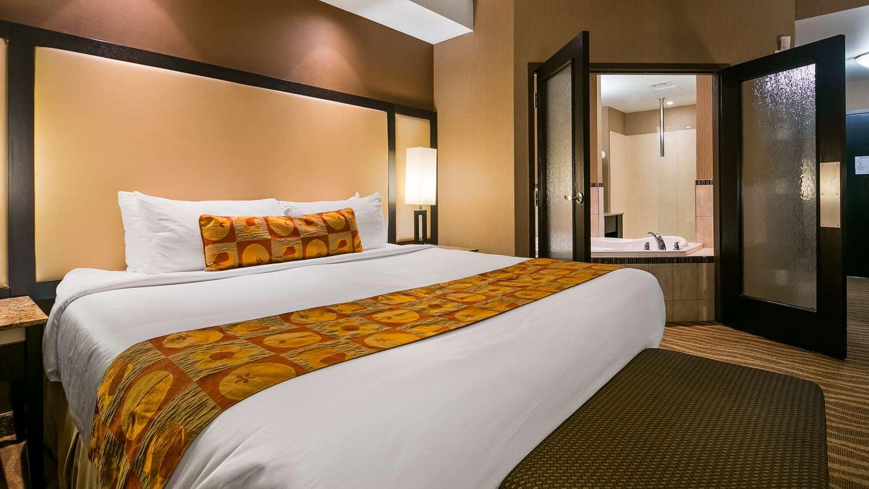 Suite - Best Western Premier Freeport Inn & Suites Calgary