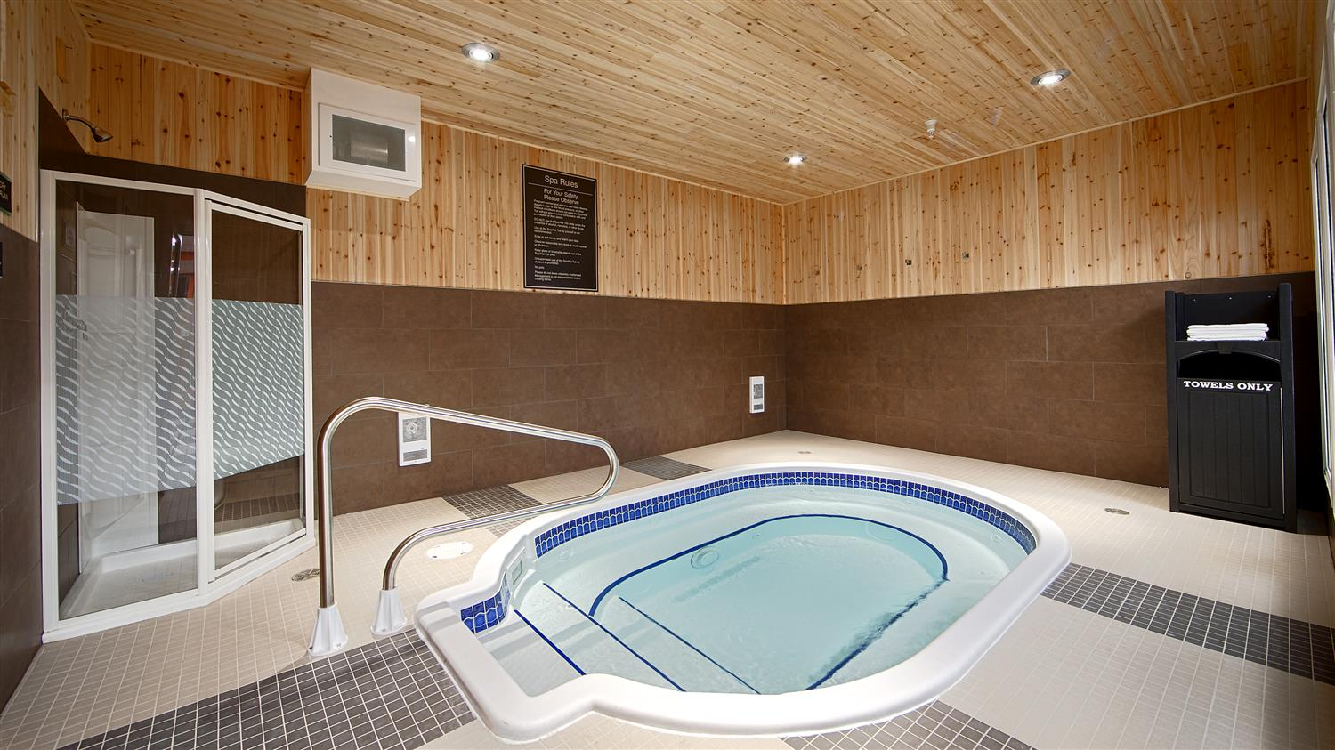 Pool - Best Western Plus Peace River Hotel