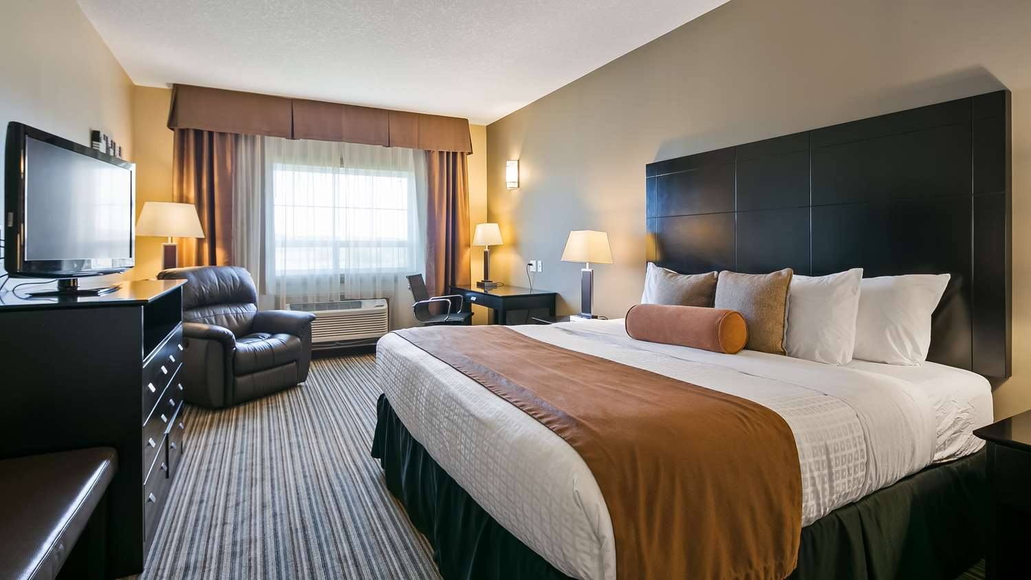 Room - Best Western Plus Peace River Hotel