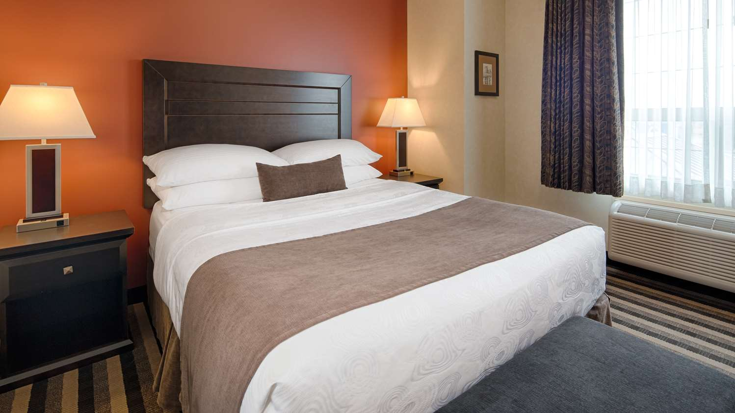 Room - Best Western Plus Meridian Hotel Lloydminster