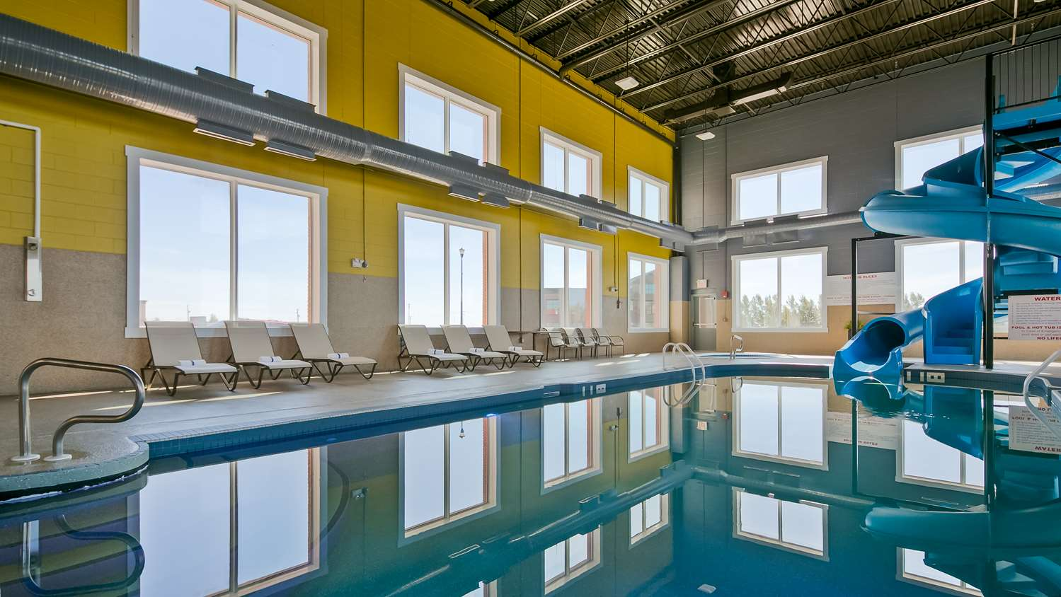 Pool - Best Western Plus Meridian Hotel Lloydminster
