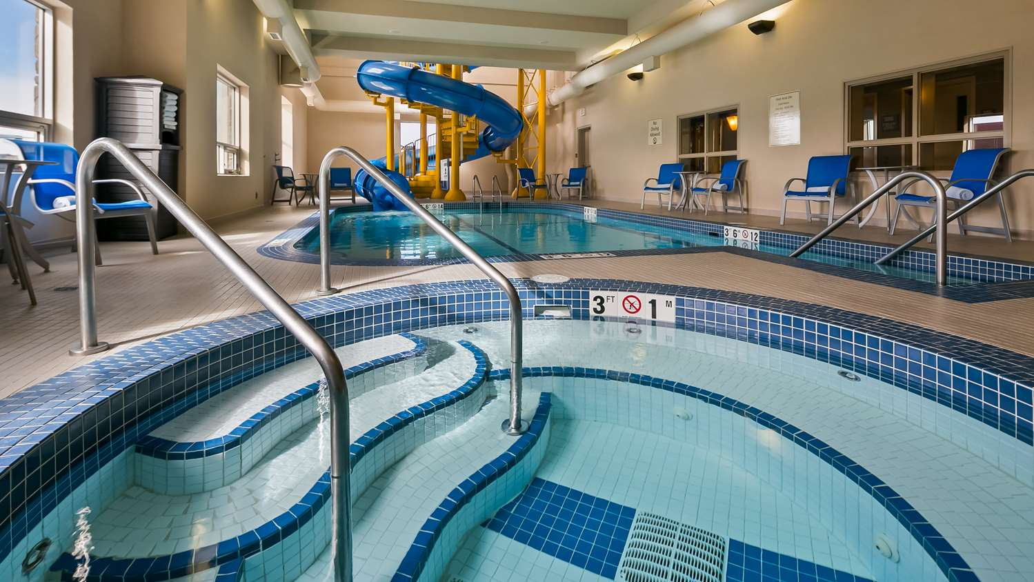 Pool - Best Western Plus Okotoks Inn