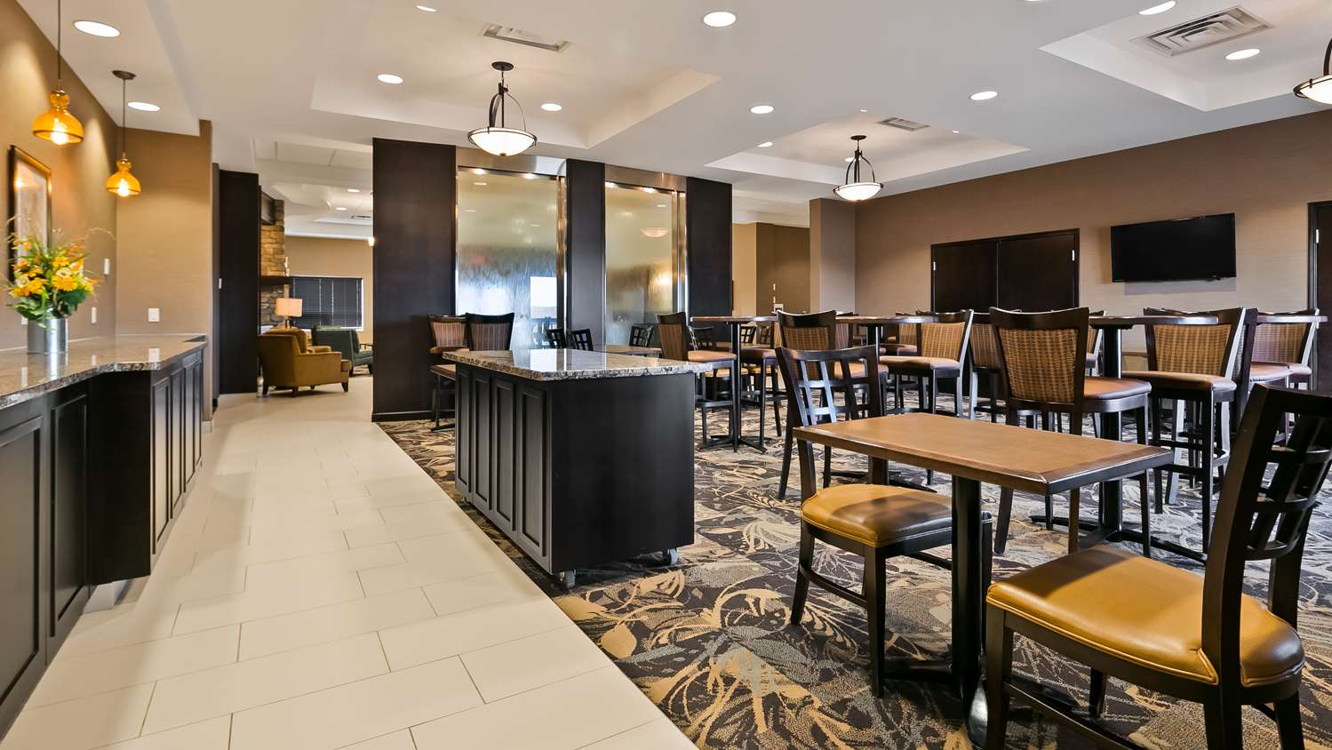 Restaurant - Best Western Plus Okotoks Inn