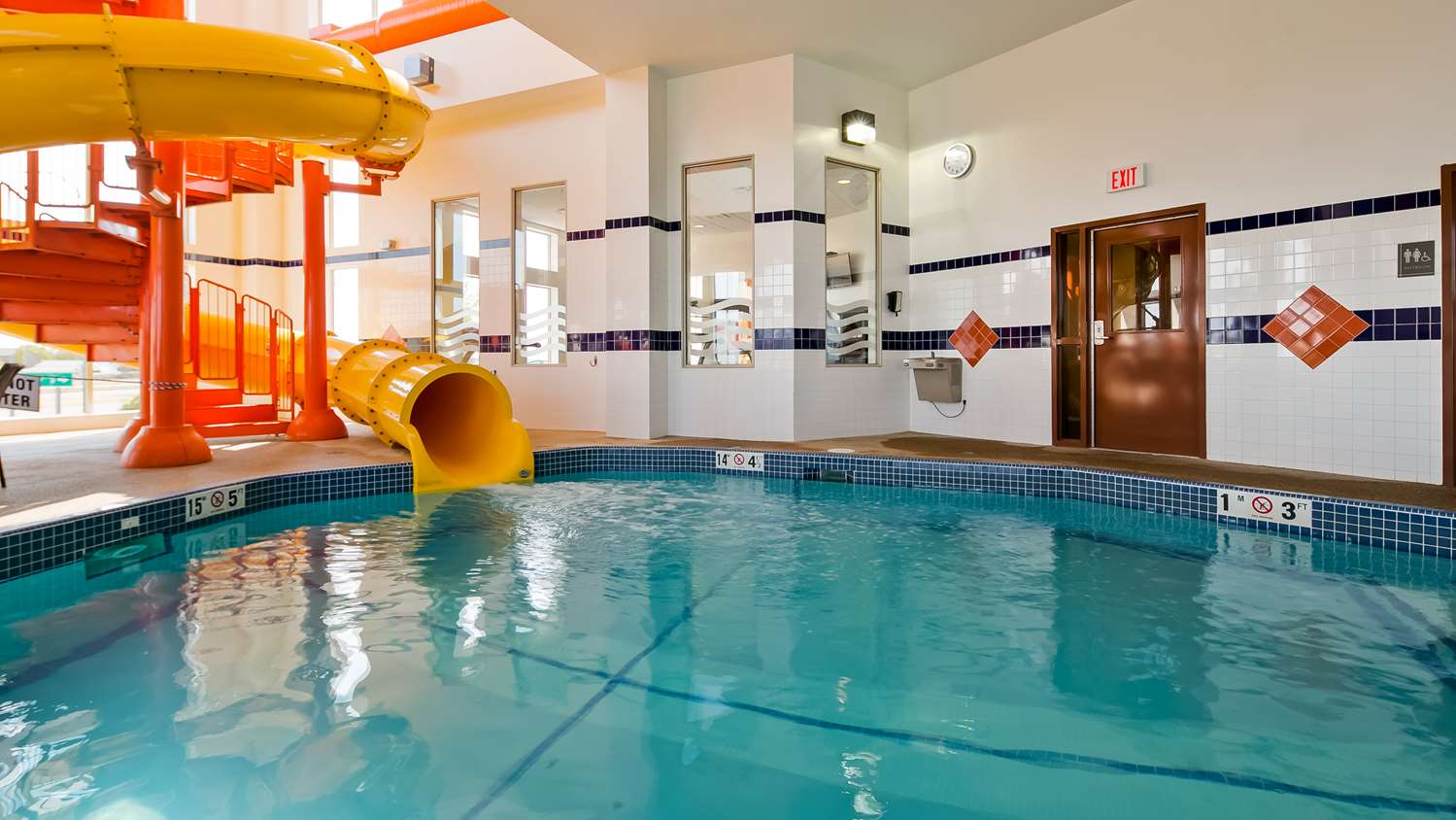 Pool - Best Western Plus Service Inn Lethbridge